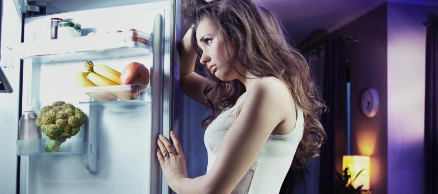 Cancro al seno: mangiare tardi aumenta il rischio