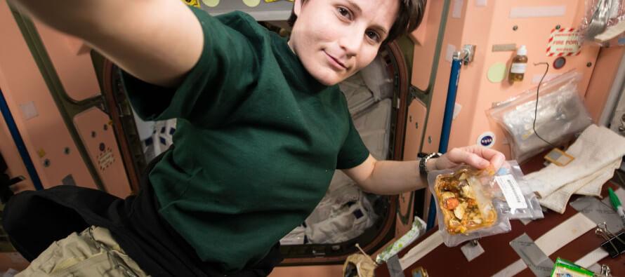 Samantha Cristoforetti: posticipato rientro sulla terra