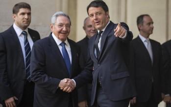 Renzi incontra Raul Castro. Italia-Cuba scrivono la storia