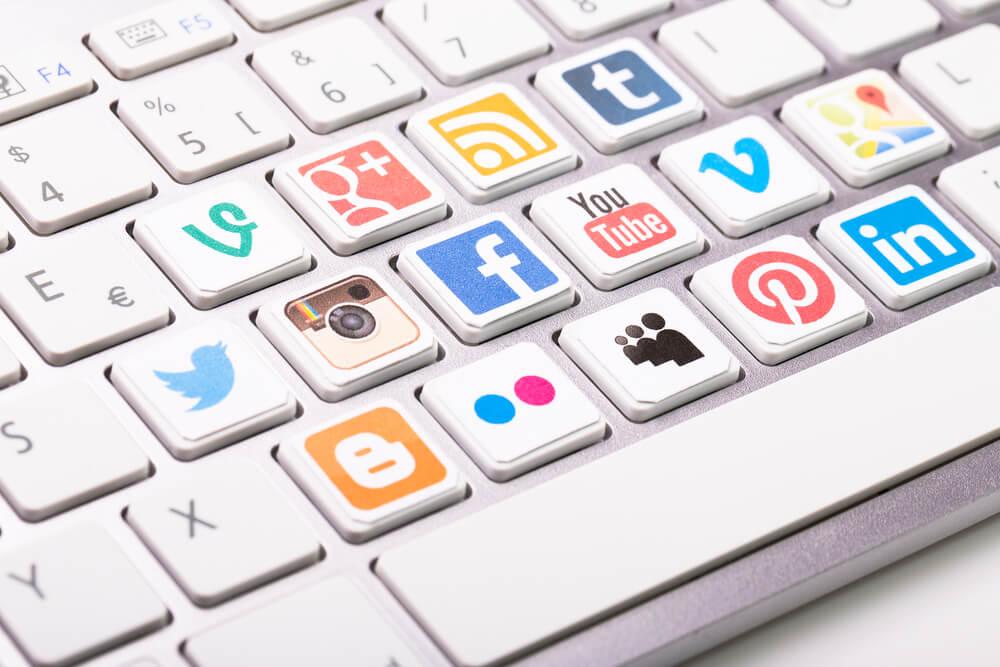 Controllare la reputazione online non può dimenticare i social. Vediamo come monitorarli uno per uno