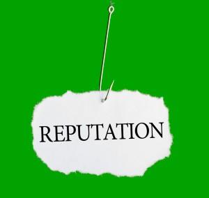 Per la propria reputazione online uno dei modi migliori di reagire alle critiche è chiedere scusa o spiegare la situazione sinceramente.