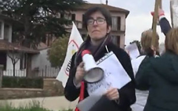 Arezzo. Risparmiatori manifestano davanti a casa Boschi – Il video