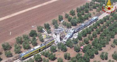 Puglia. Scontro tra due treni, decine di morti