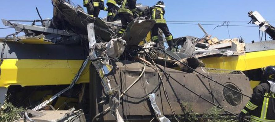 Incidente ferroviario Puglia, Renzi in costante contatto con Protezione Civile e Mit