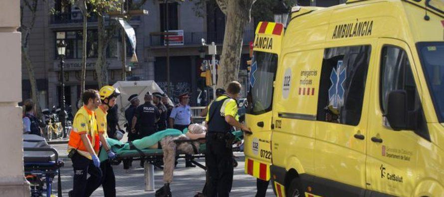 Barcellona, furgone contro folla sulla Rambla: diversi feriti e almeno due morti