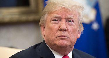 Donald Trump sblocca gli utenti del suo account Twitter