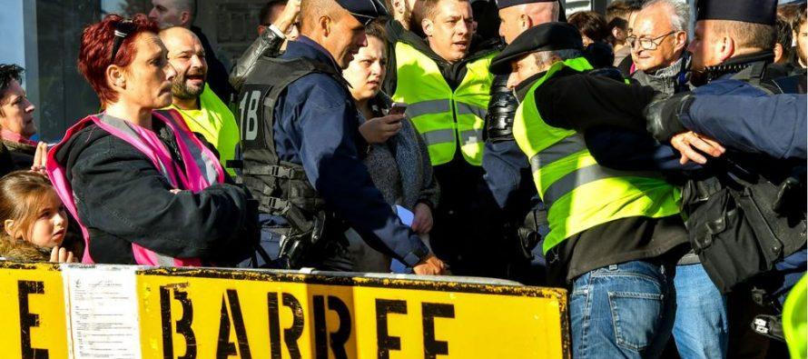 Gilet Gialli. Nuovi scontri sugli Champs-Elysees