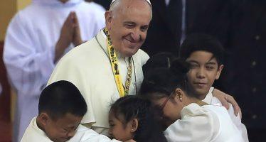 Il Vaticano ammette: linee guida per preti con figli