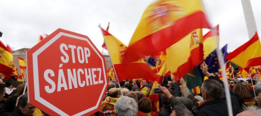 Spagna. Manifestazioni contro accordi per la Catalogna separata