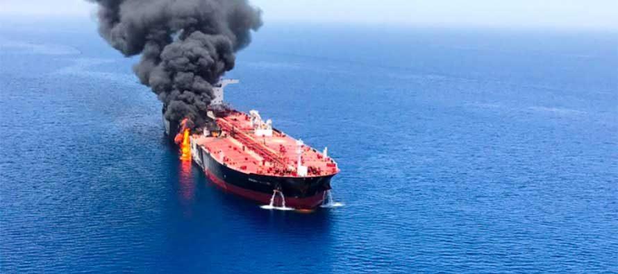 Due petroliere colpite da un siluro nel Golfo di Oman