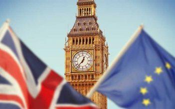 Gli intransigenti della Brexit votano per l'accordo commerciale dell'UE