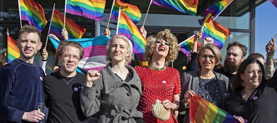 Svizzera. Sì alla legge anti-omofobia