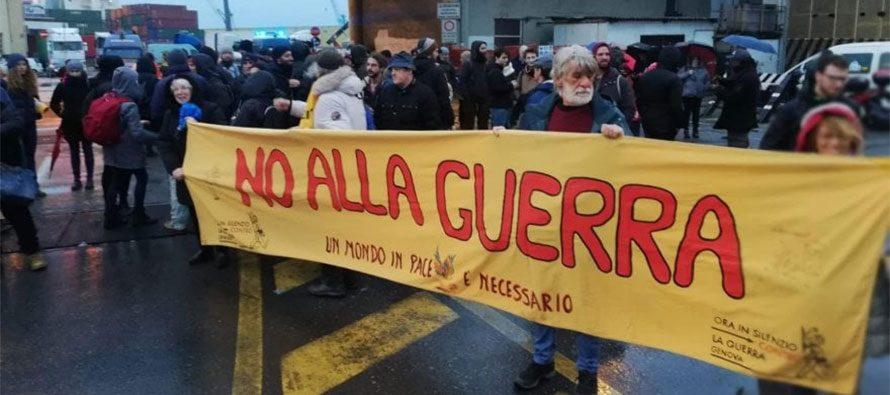 Nave delle armi, protesta nel porto di Genova