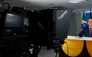 Bolsonaro lancia campagna contro stretta