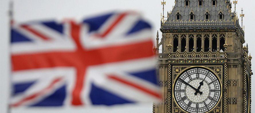 Gran Bretagna: isolare gli ultra settantenni