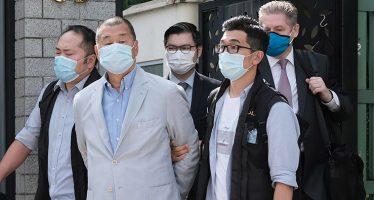 Hong Kong. L'editore di Hong Kong Jimmy Lai è stato arrestato