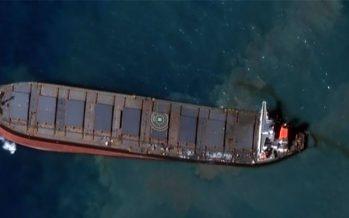 Mauritius: cargo giapponese incagliato si è spezzato