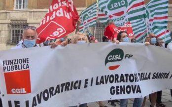 Sanità privata, lavoratori in piazza a Genova: ci avete dimenticato