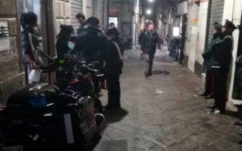 Genova, sangue in centro storico: donna svenuta in via Prè