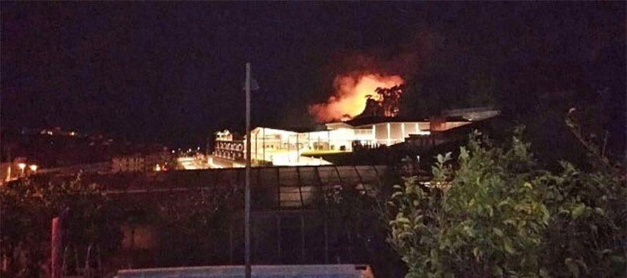 Incendio nei pressi dell'outlet The Mall a Sanremo