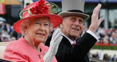 Il principe Filippo, consorte della regina Elisabetta II, muore a 99 anni