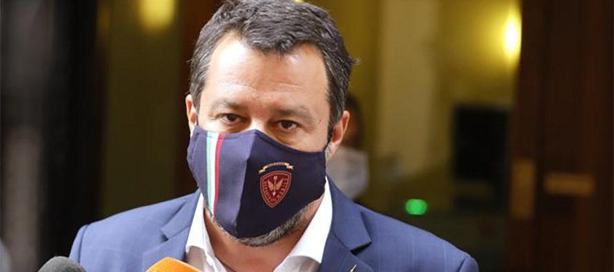 Salvini a Draghi: via le mascherine, punizione inutile